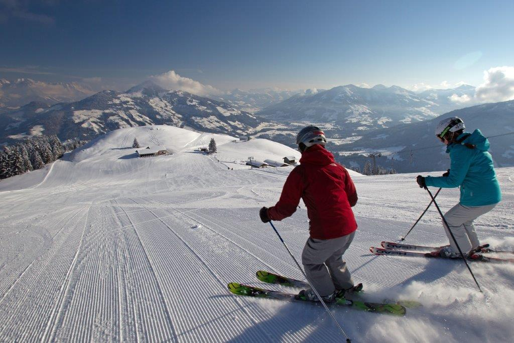 gondola-auffach-bergbahn-bahn-lift tractor-ski-ski resorts-topp-awarded-guaranteed snow-ski